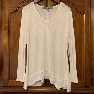 NWT Absolutely Famous Long Sleeve Top, Shaped Hem